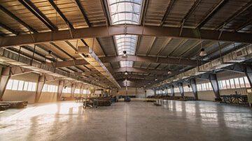Astron pramoniniai pastatai
